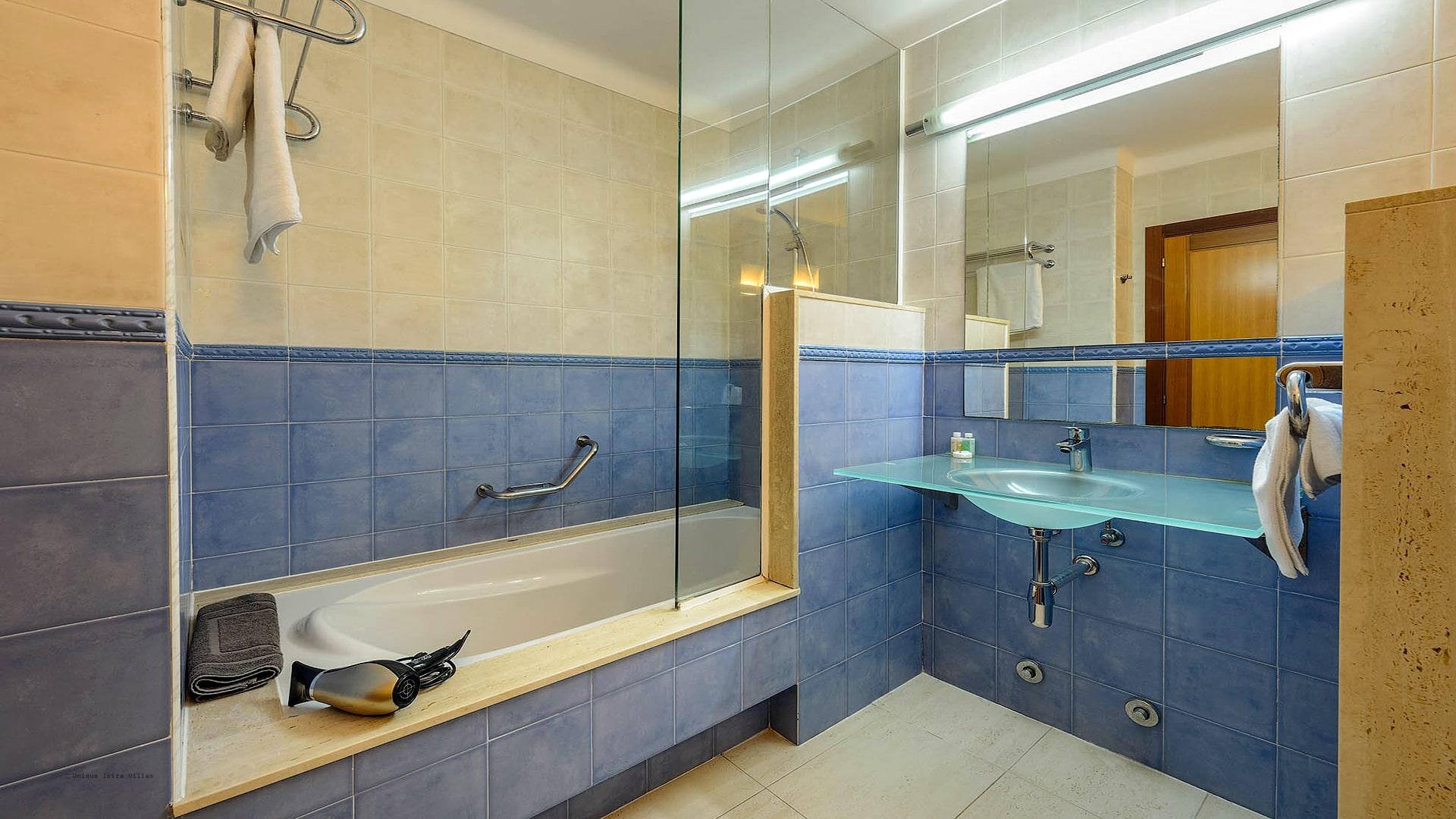 Villa Can Fluxa Ibiza 50 Bedroom 4