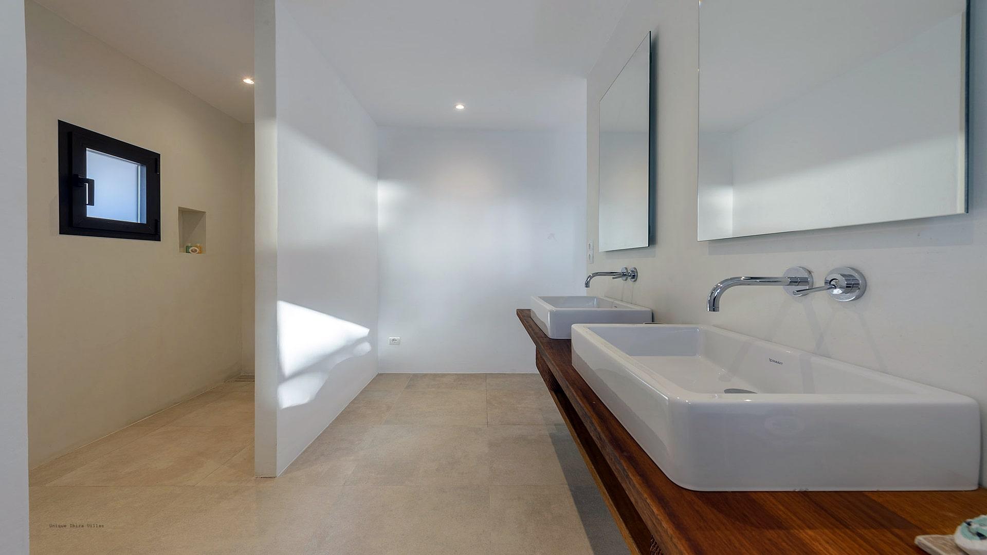 Villa Can Tamanaco Ibiza 48 Bathroom 3
