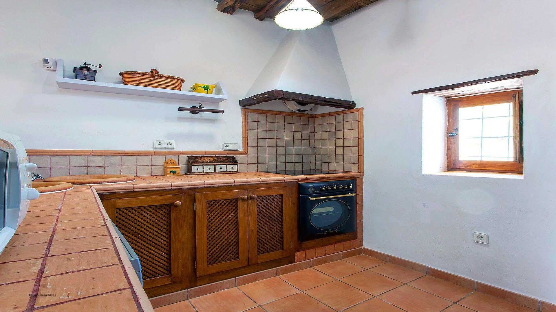 Cana Marina Ibiza 24 Santa Eulalia