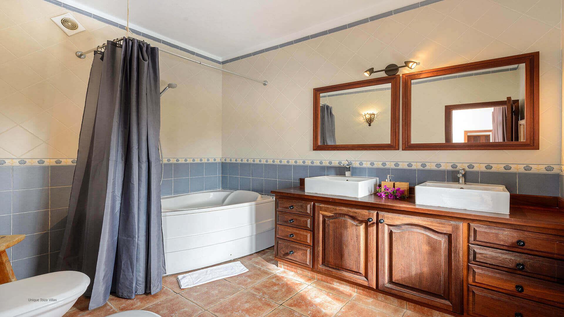 Villa Pranayama Ibiza 39 Bathroom 2