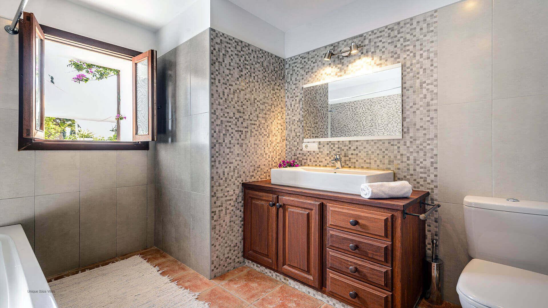 Villa Pranayama Ibiza 40 Bathroom 3