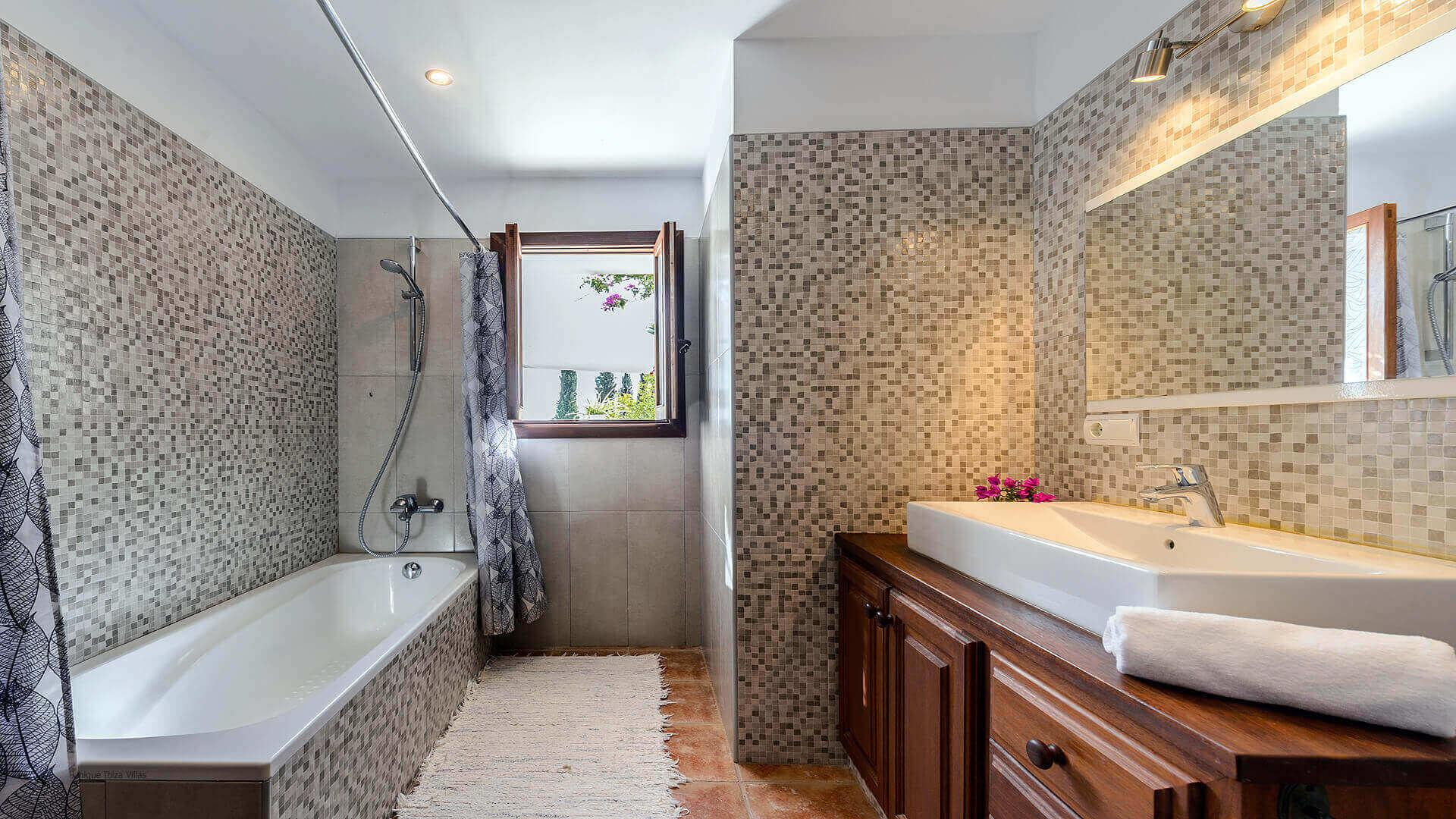 Villa Pranayama Ibiza 41 Bathroom 3