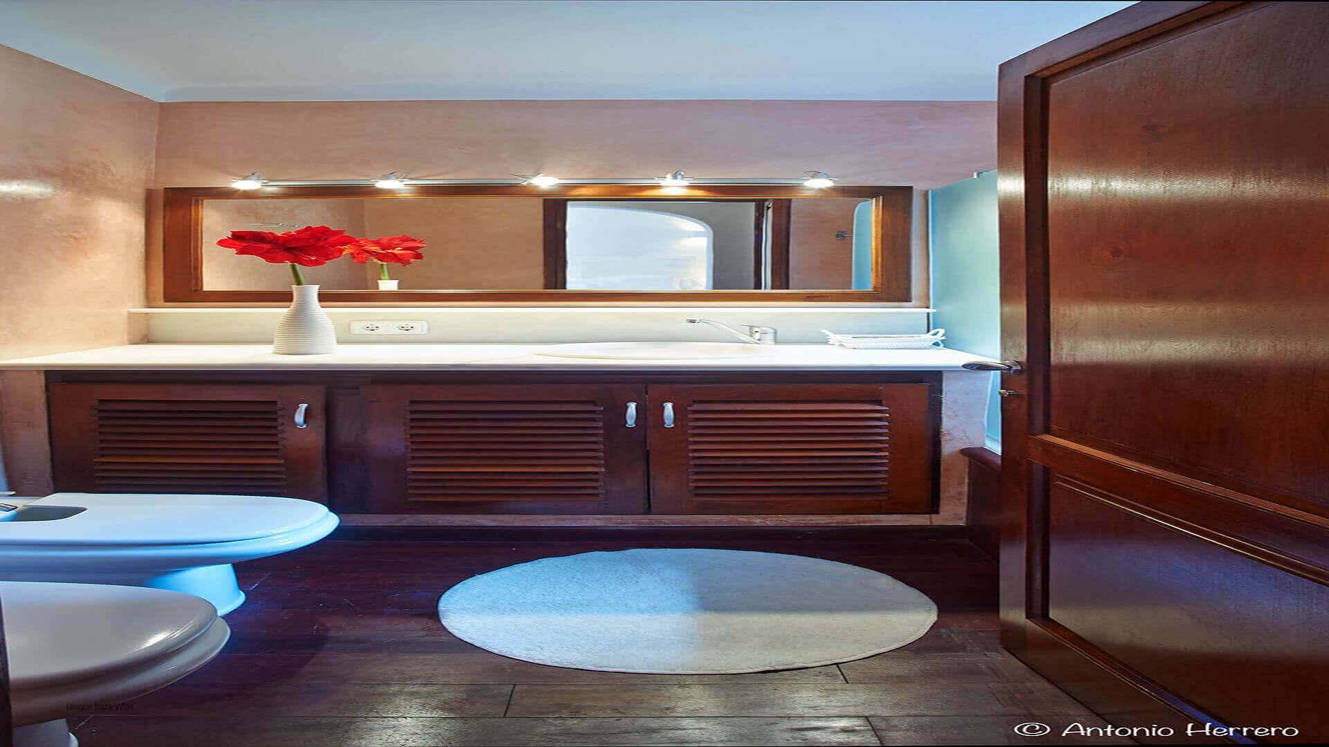 Villa Alicia Ibiza 26 Bedroom 1 En Suite