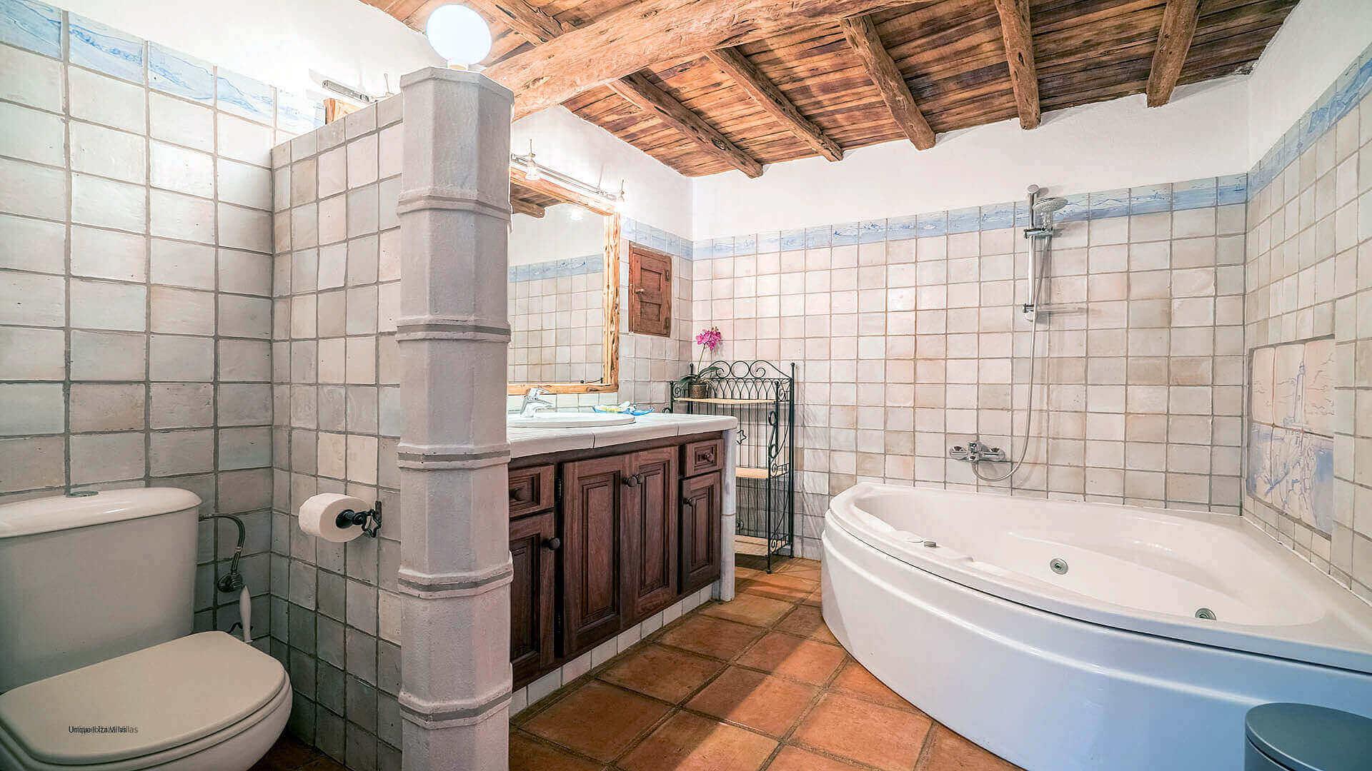 Finca Guerxonet Ibiza 24 Bathroom 3
