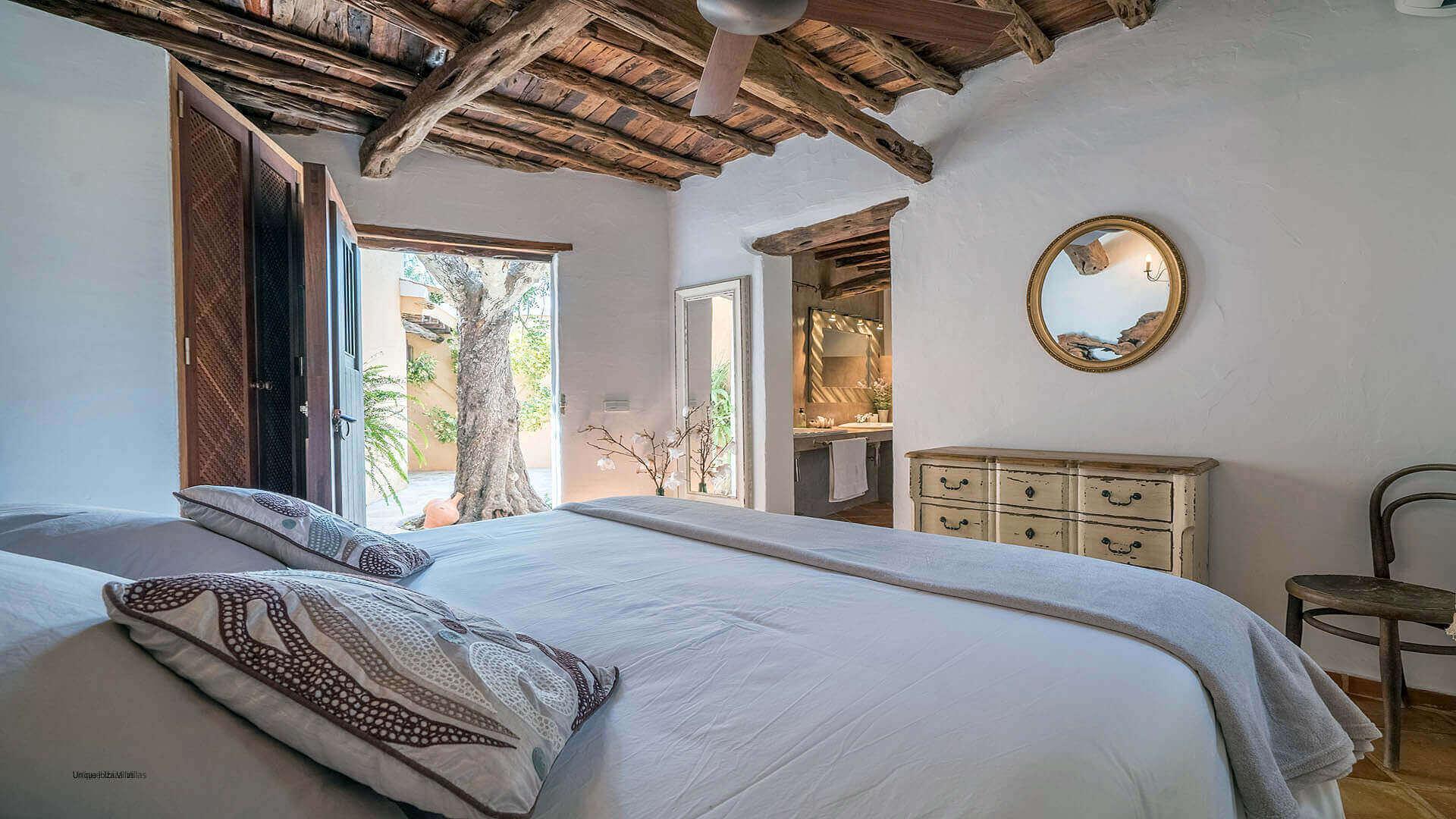 Finca Guerxonet Ibiza 25 Bedroom 5