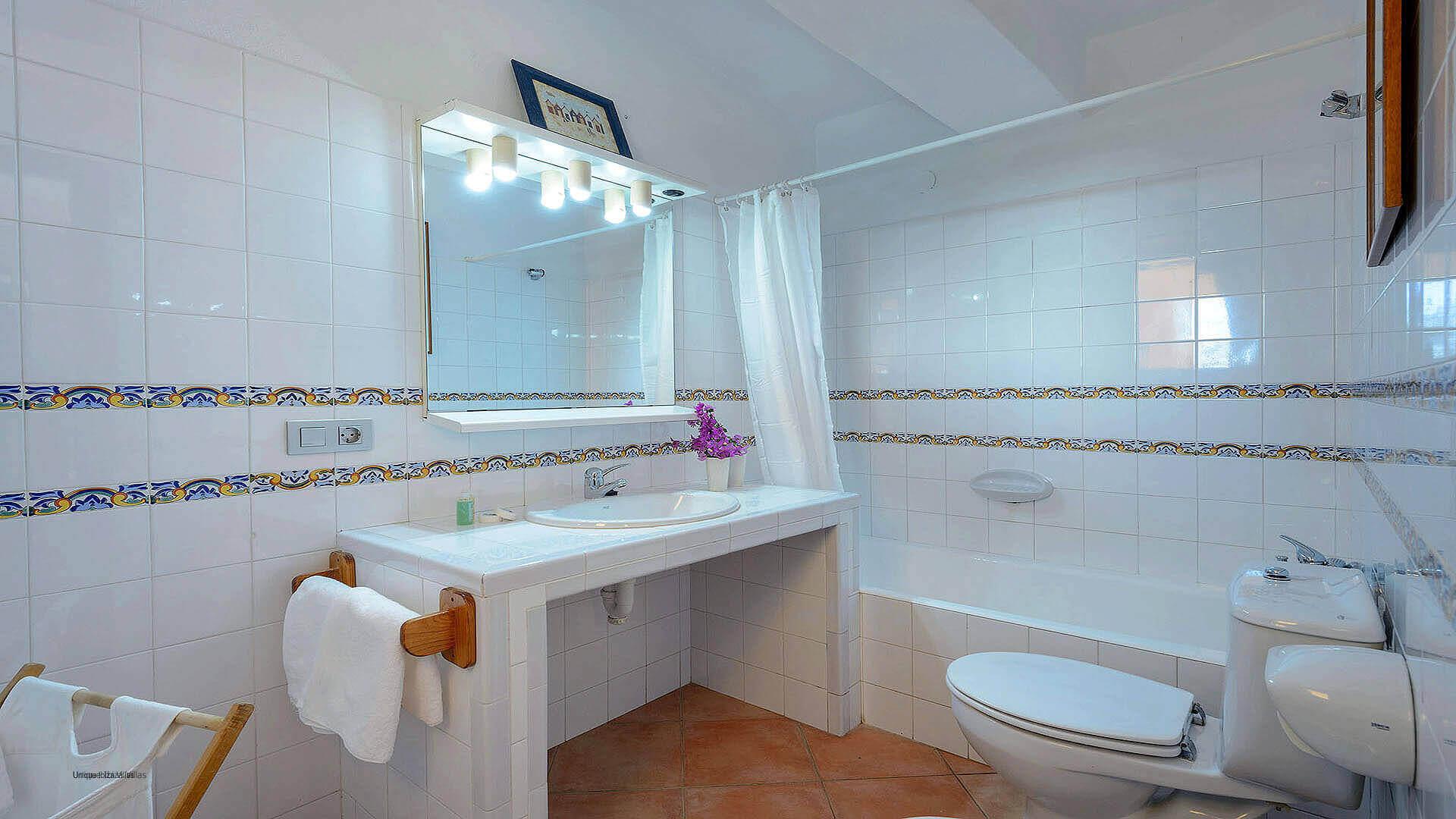 Villa Los Olivos Ibiza 40 Bedroom 3 En Suite