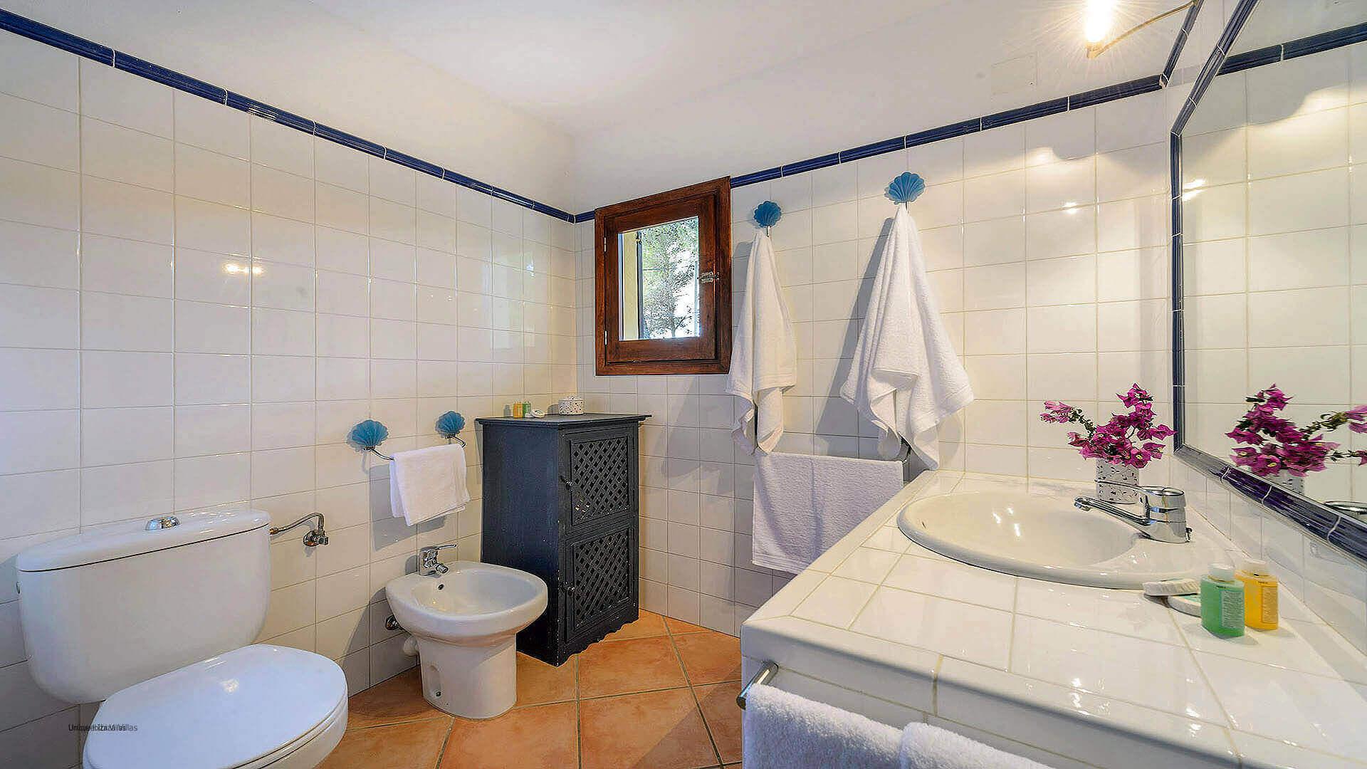 Villa Los Olivos Ibiza 49 Bathroom 5