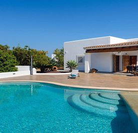 VILLA DUO - (sleeps 4 - villa with private pool - rural near Santa Gertrudis - 2 bedrooms)