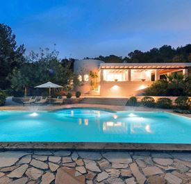 VILLA CAN CUNSEY - (Sleeps 6+ - Private pool - Rural setting near Ibiza Town - 3+ bedrooms)