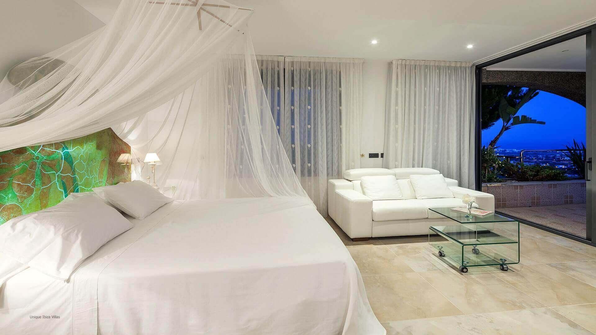 Villa Fuente De Ibiza 32 Bedroom 1