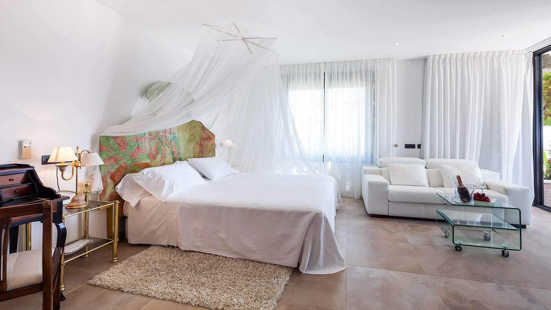Villa Fuente De Ibiza 33 Bedroom 1