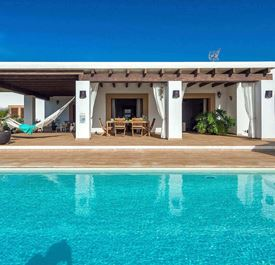 VILLA SES DOS ILLES - (Sleeps 6+ - Private pool - Rural near Ibiza Town & Playa den Bossa - 3+ bedrooms)