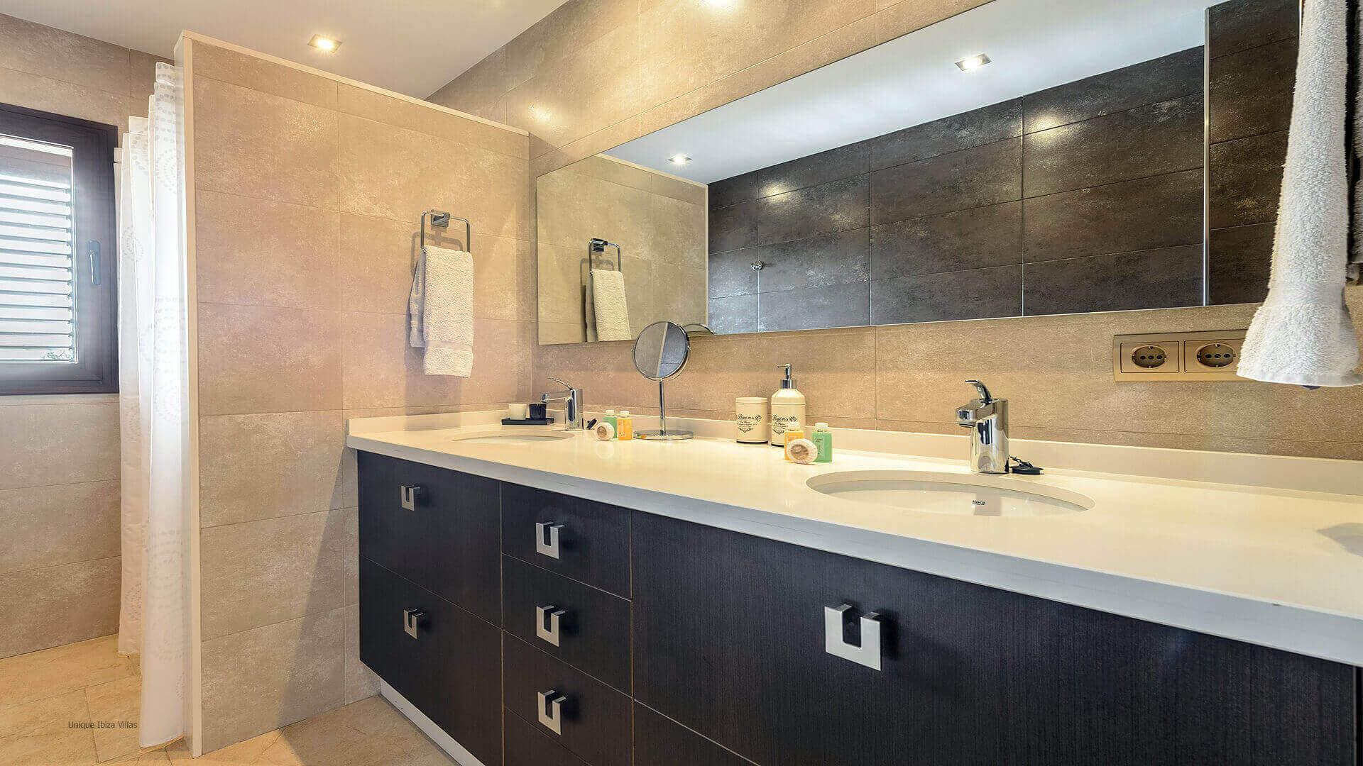 Villa Ses Dos Illes 40 Bedroom 1 En Suite