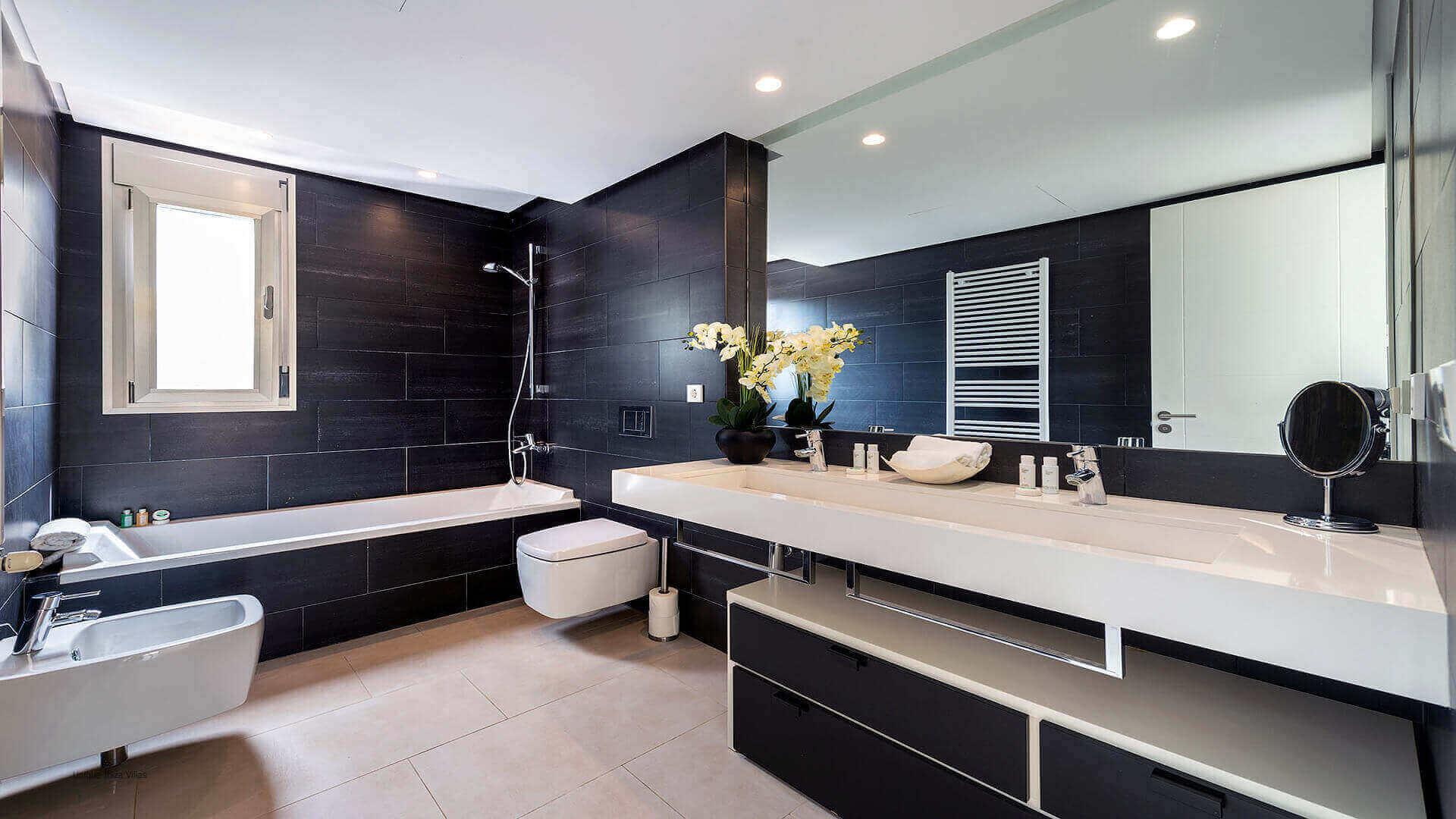 Villa Montecristo Ibiza 38 Bathroom 2