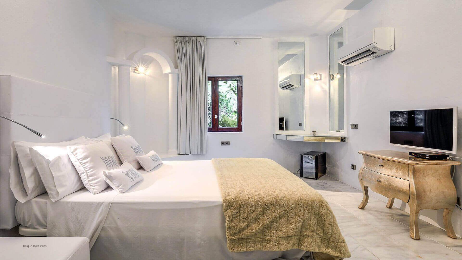 Villa Rica Ibiza 34 Bedroom 1