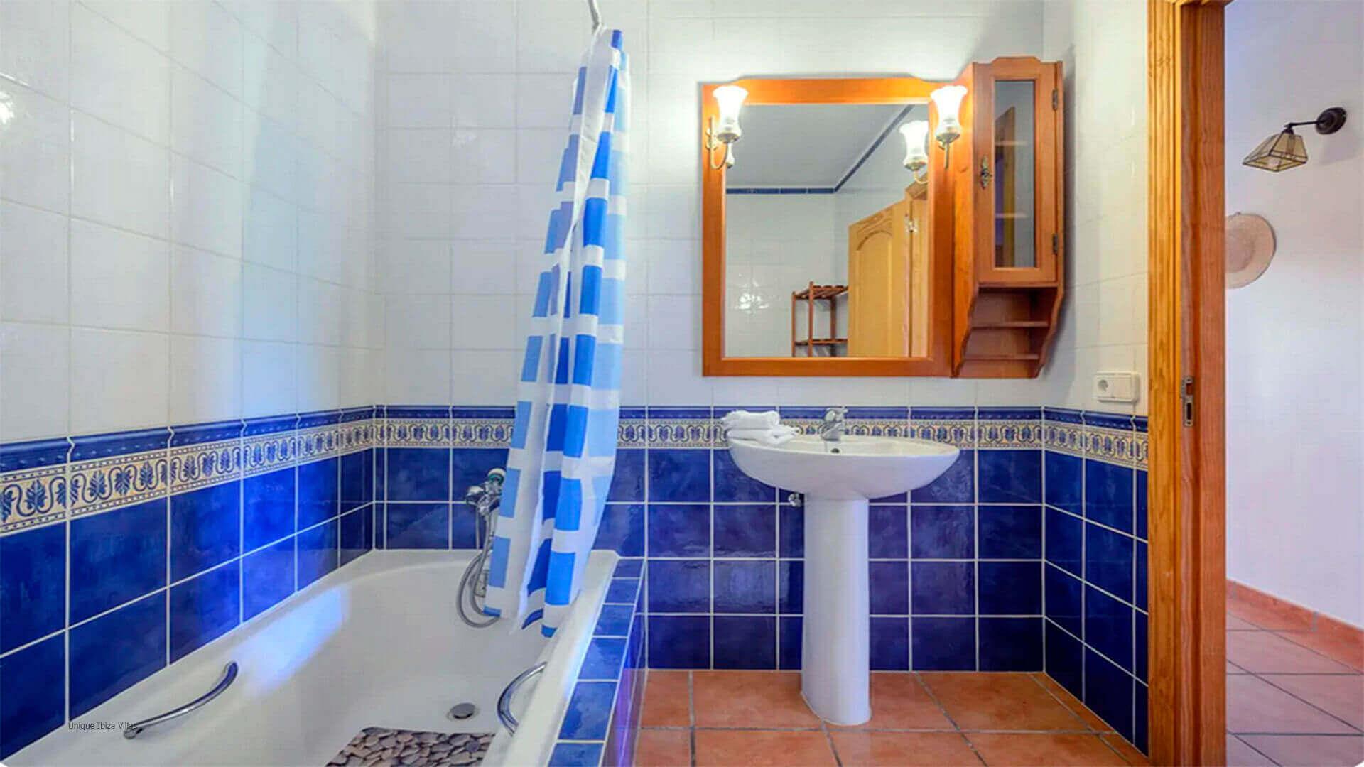 Villa Mussett Ibiza 42 Bathroom 3