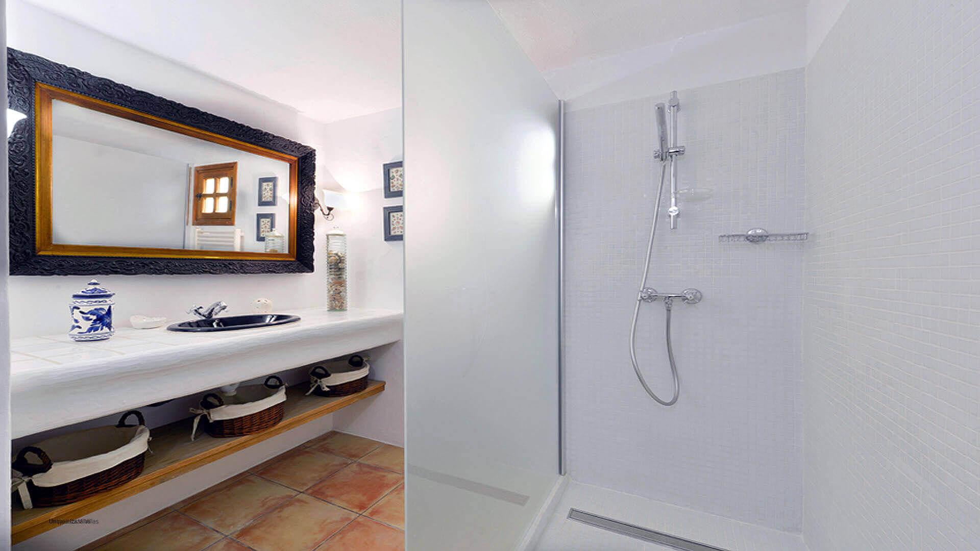 Villa Jaume Dalt Ibiza 18 Bedroom 1 En Suite