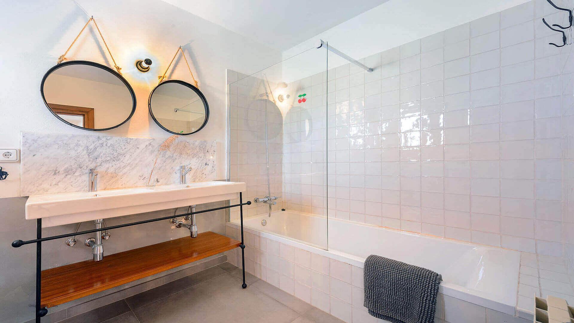 Villa Azul Ibiza 26 Bedroom 1 En Suite