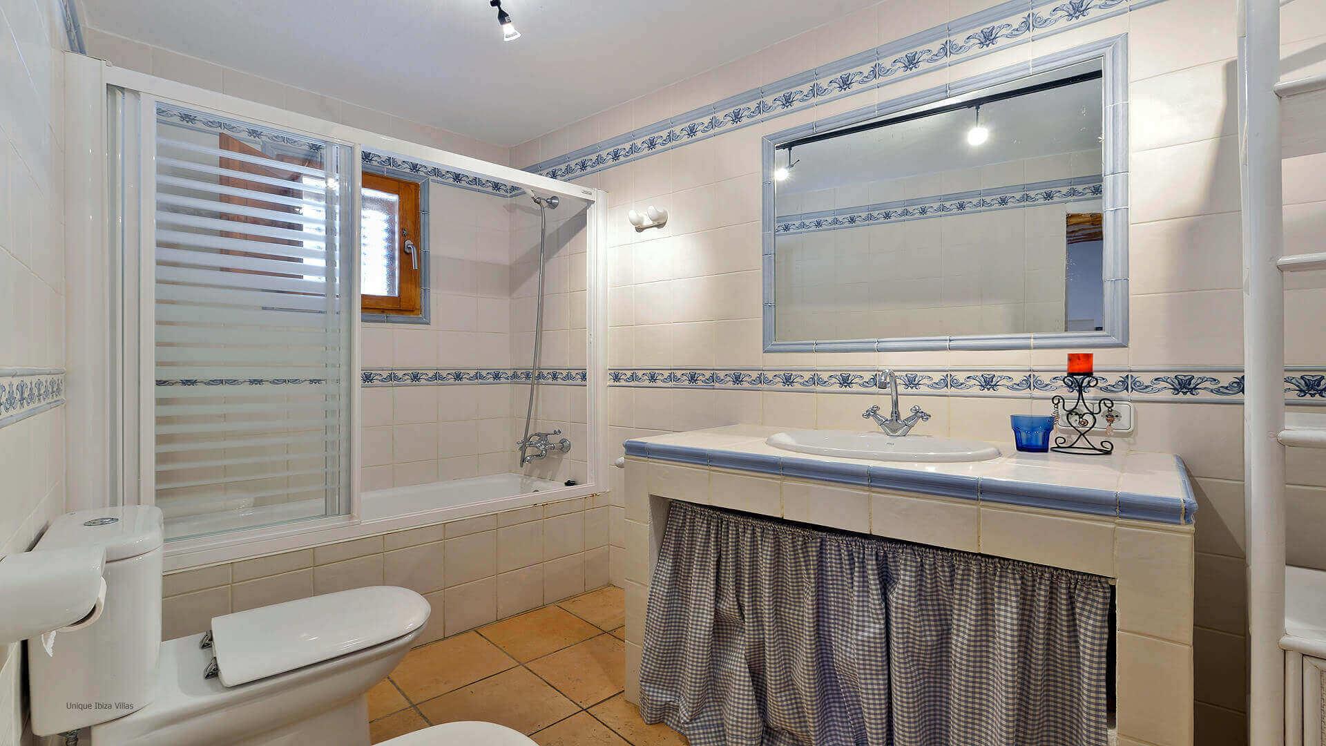 Can Caus Ibiza 30 Bathroom