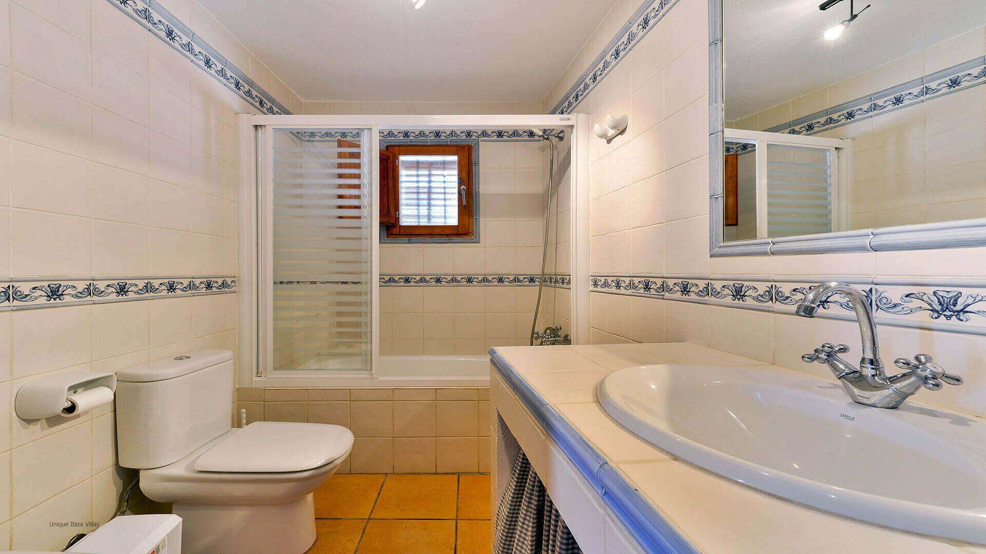 Can Caus Ibiza 31 Bathroom