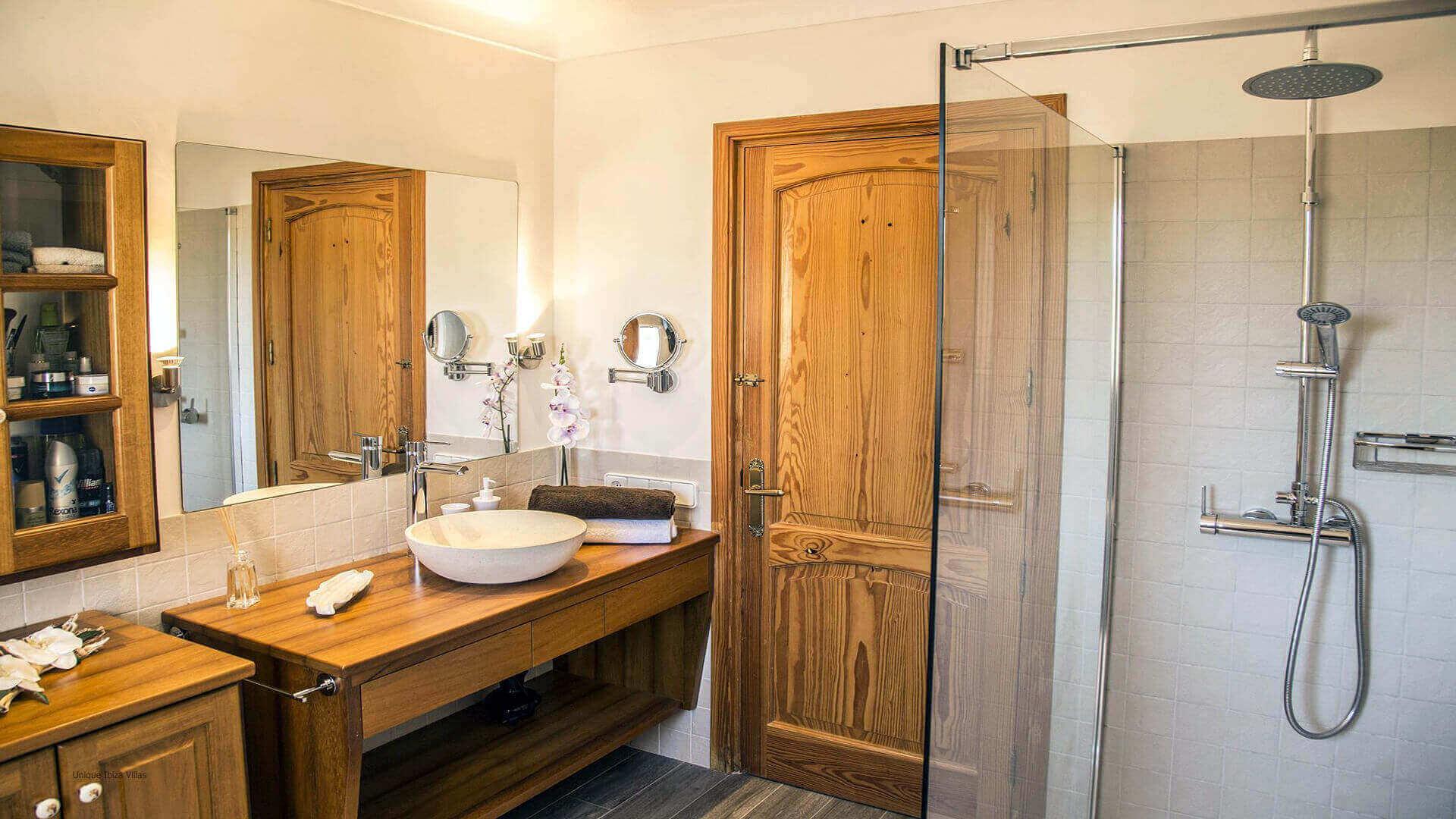 Villa Andrea Ibiza 33 Bathroom 1