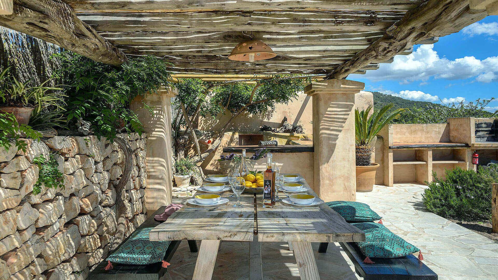Villa Romero I Ibiza 17 Near Es Cubells