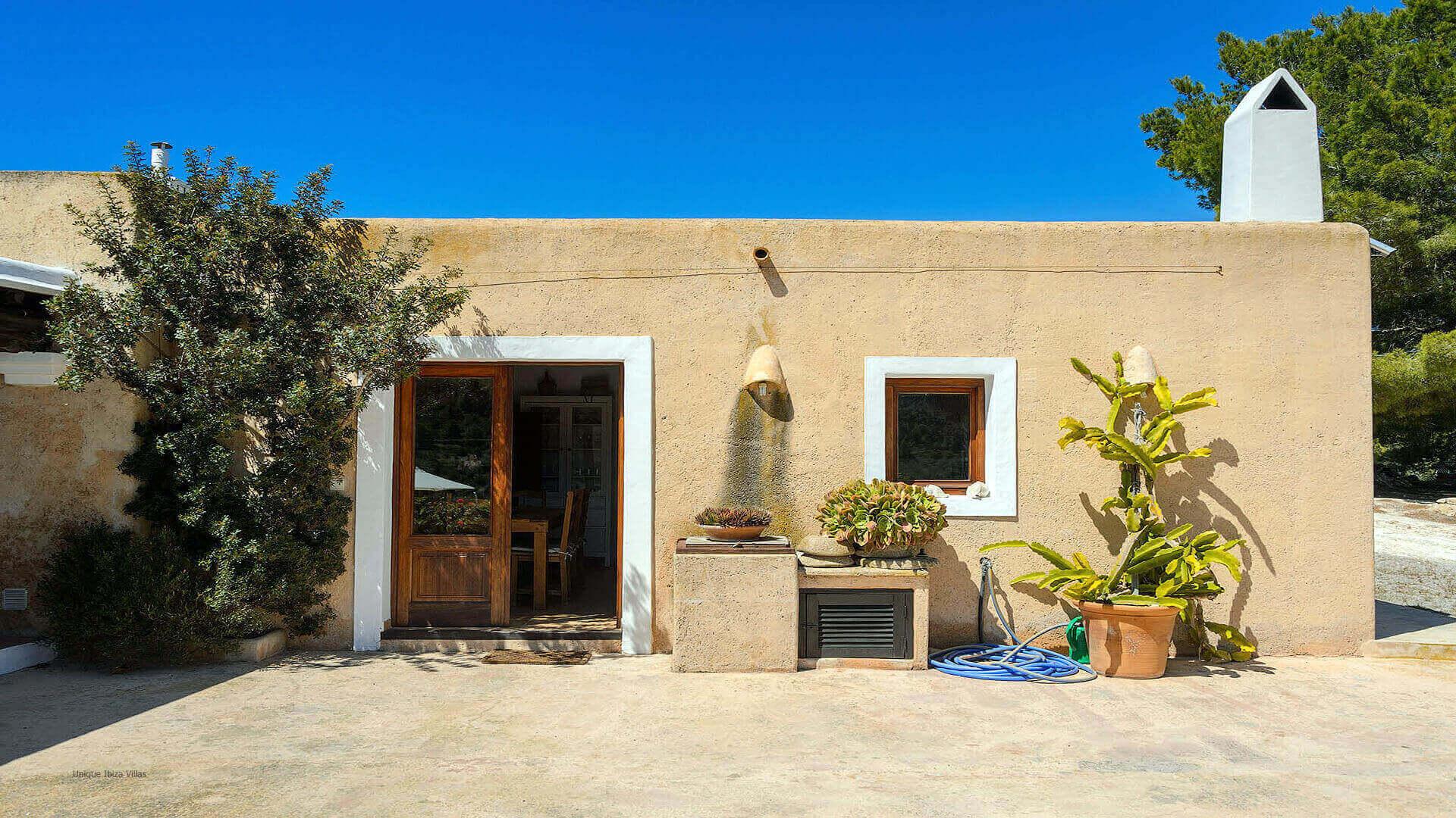 Villa Romero I Ibiza 25 Near Es Cubells