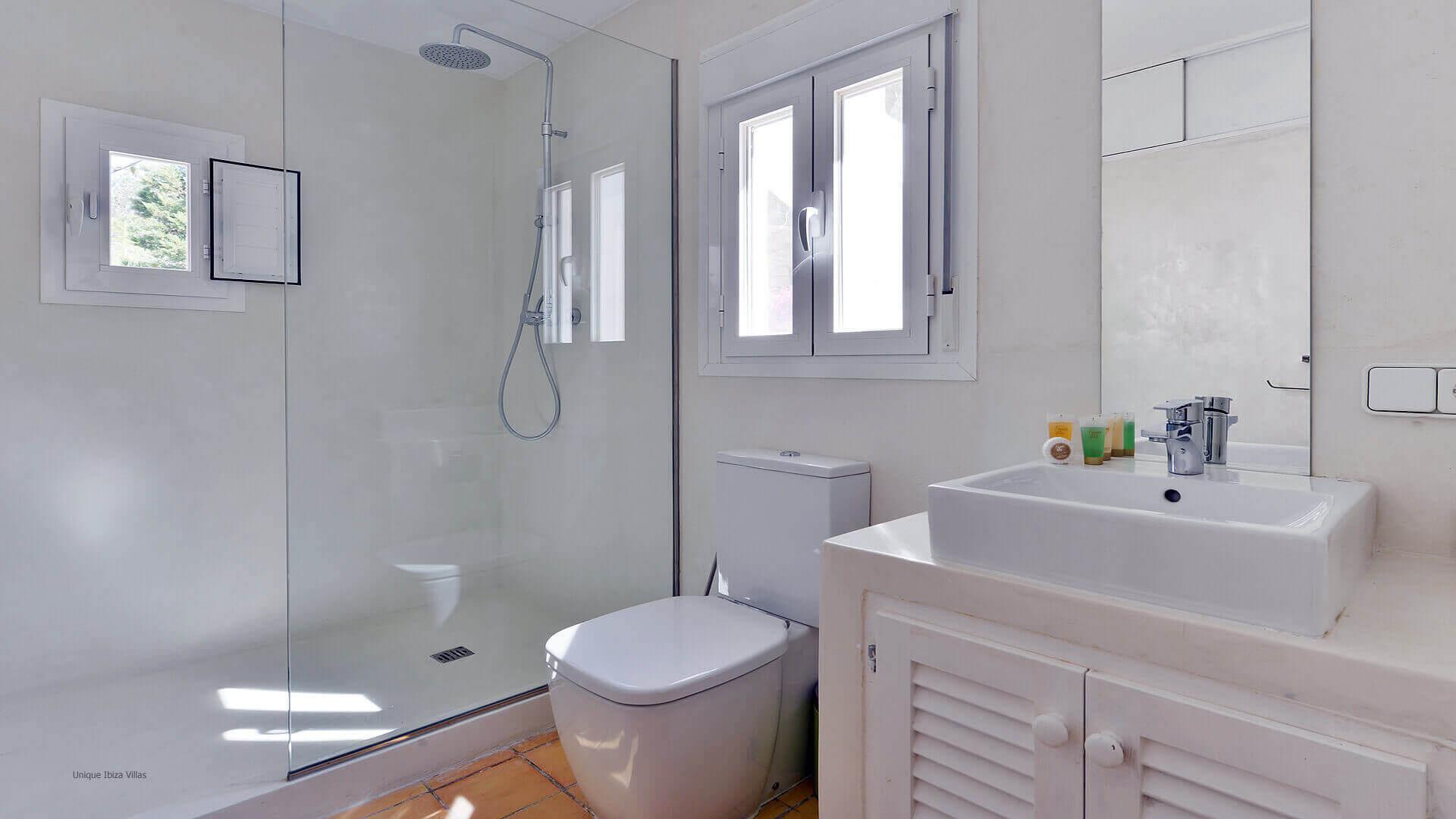 Villa Cala Salada Ibiza 38 Bathroom 2