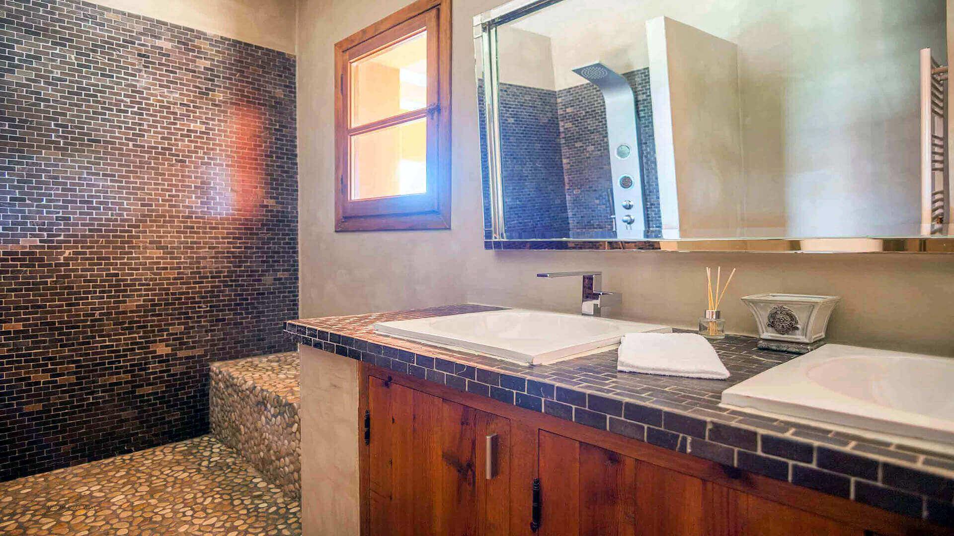Casa Roja Ibiza 26 Bedroom 1 En Suite
