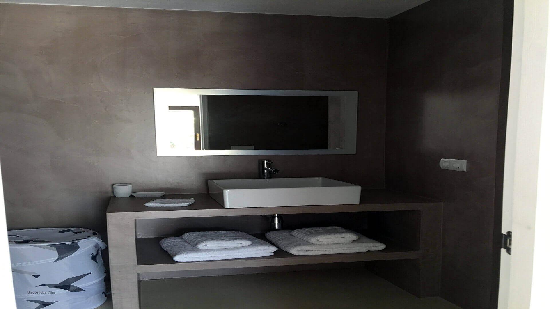 Casa Roja Ibiza 34 Bedroom 3 En Suite