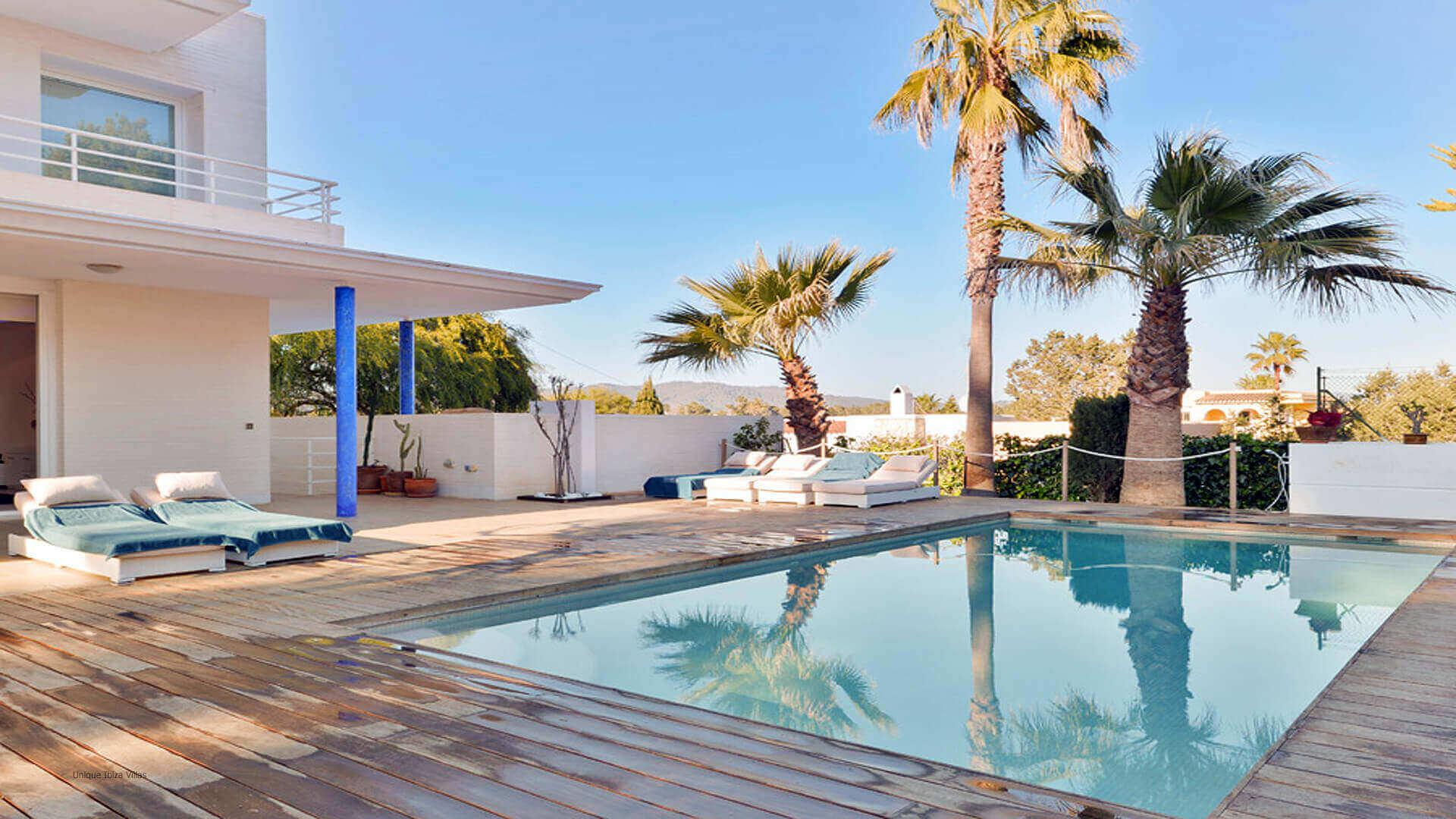 Can Llusia Ibiza 5 San Antonio