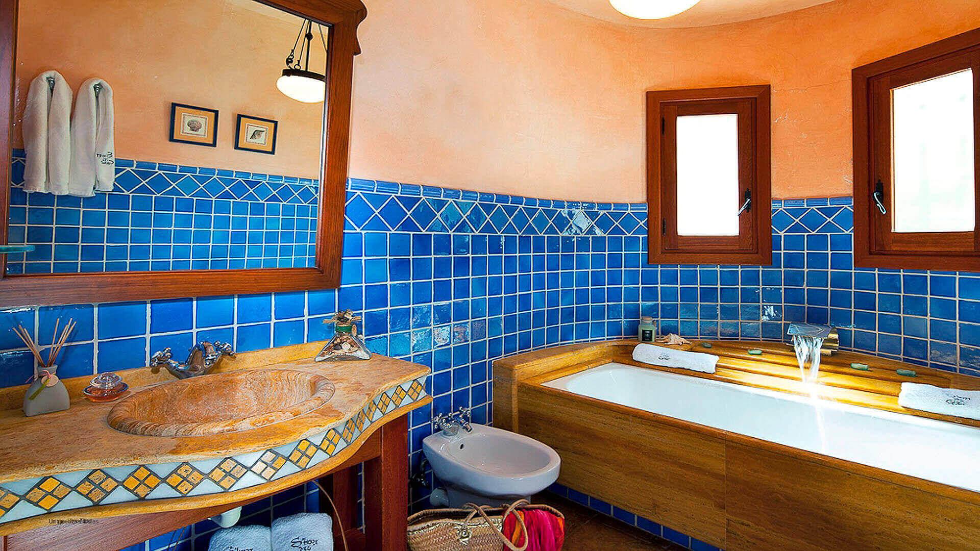 Villa El Abuelo 25 Ibiza Bathroom 2