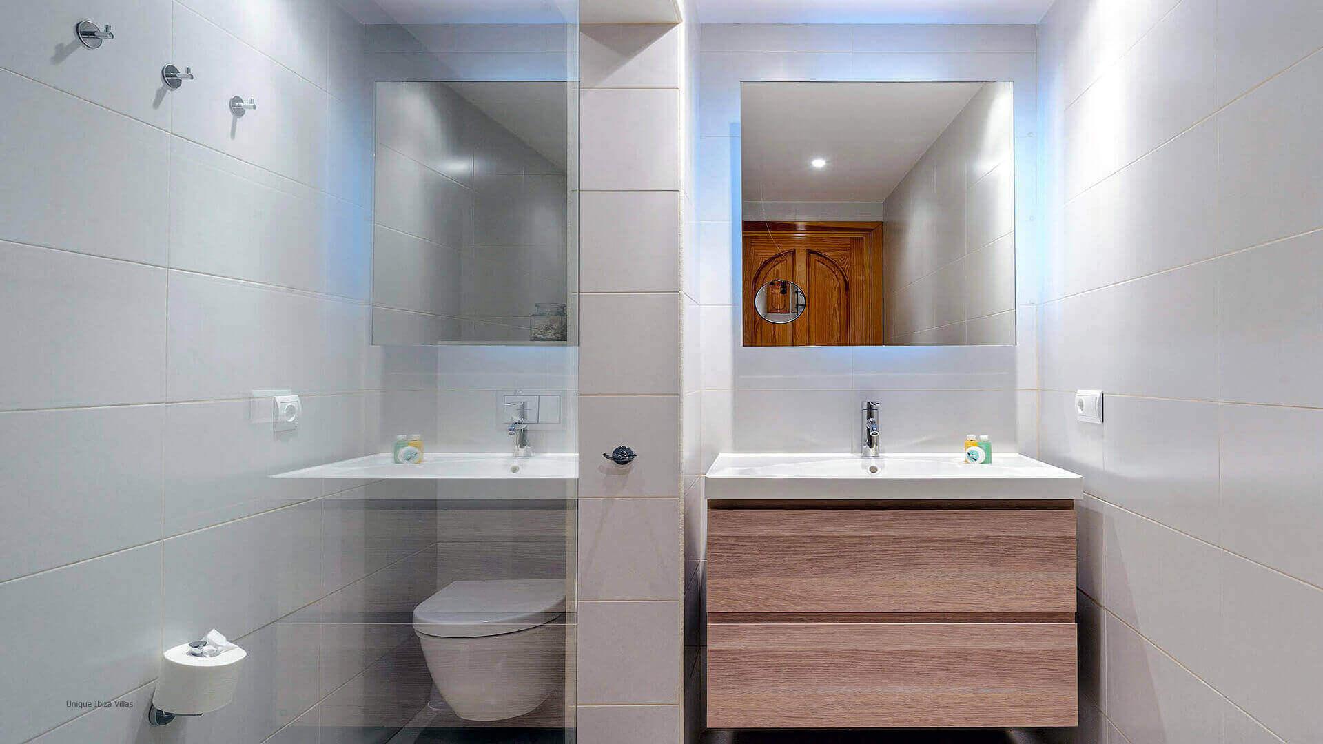 Can Raco Ibiza 42 Bathroom 2