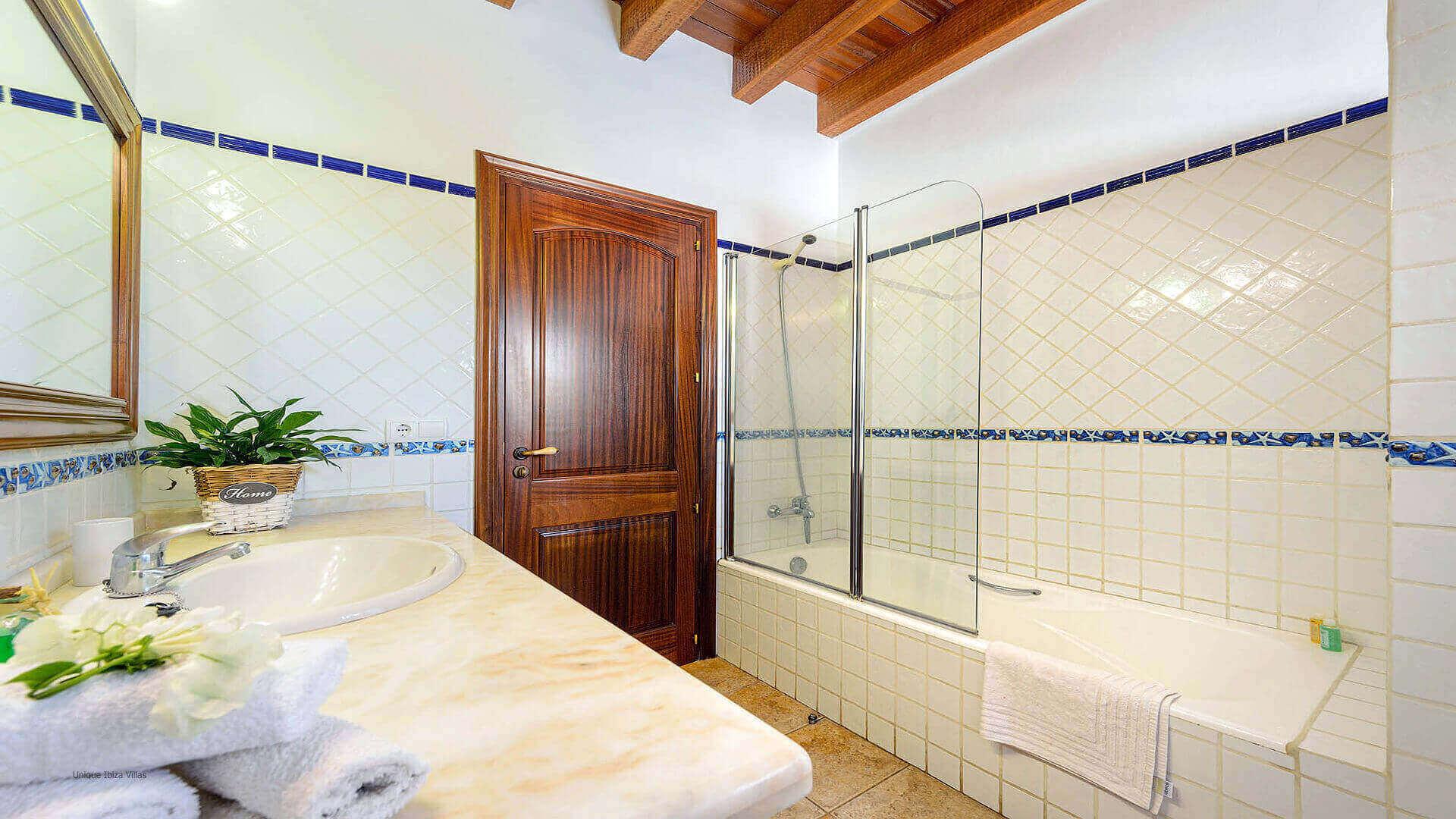 Curreu III Ibiza 42 Bathroom 1