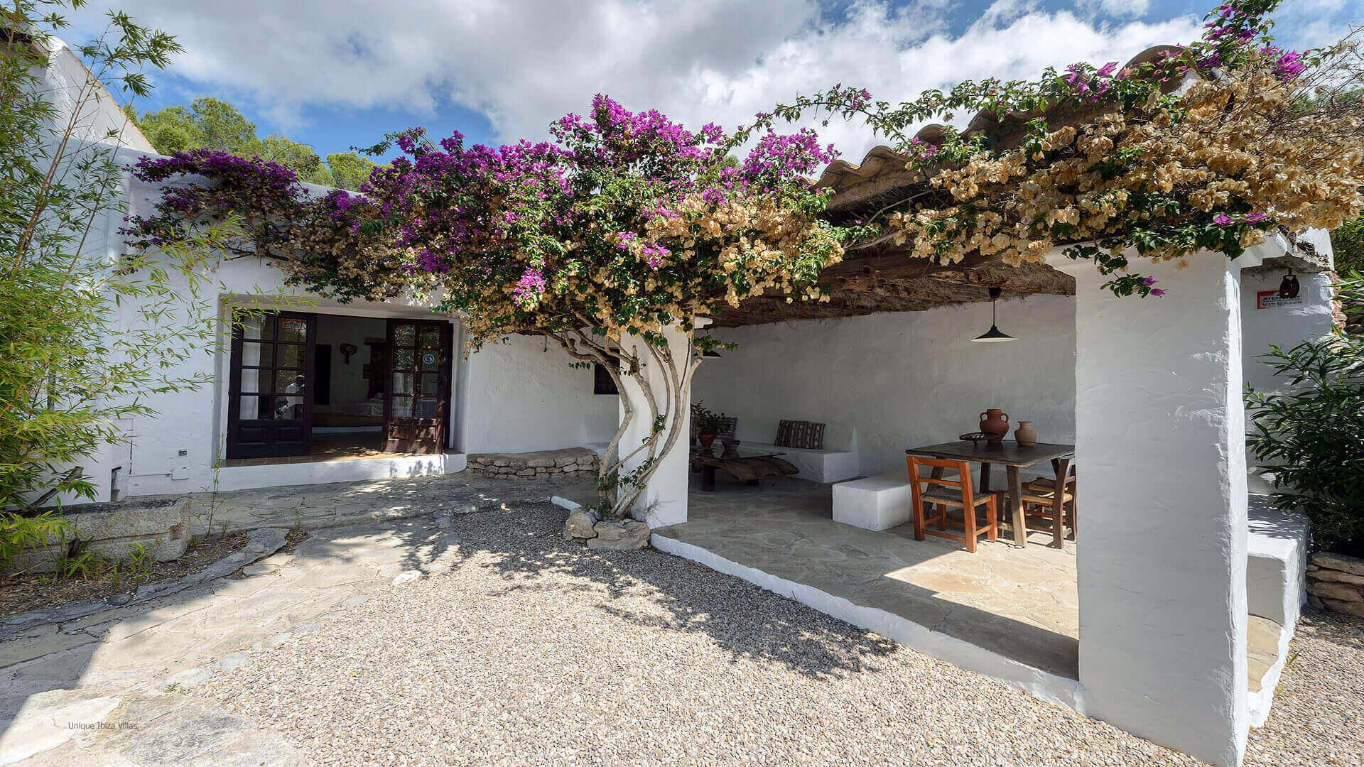Villa Gilbert Ibiza 10 Near Santa Gertrudis