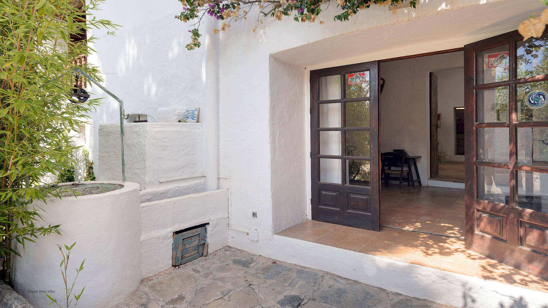 Villa Gilbert Ibiza 17 Near Santa Gertrudis
