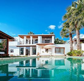 VILLA EL SECRETO - (Sleeps 12 - Private pool - Sa Carroca near Playa den Bossa & Ibiza Town - 6 bedrooms)